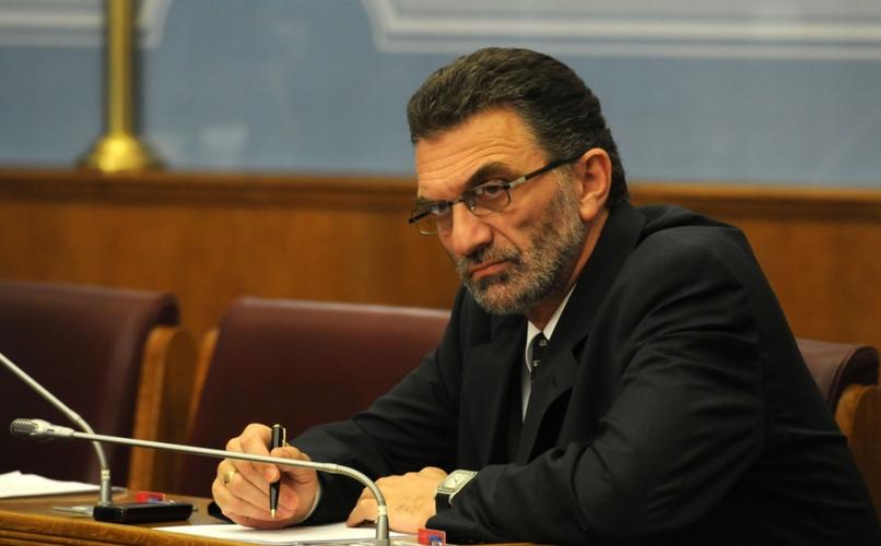 Булајић: Евентуално учлањење у НАТО                                              велики намет за грађане