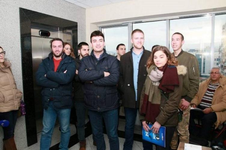Млади ДФ-а поново у АСК-у:                                  Институције у служби породице Ђукановић