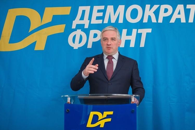 Вучуровић: Мило Ђукановић је потрчко                                                                           страних служби