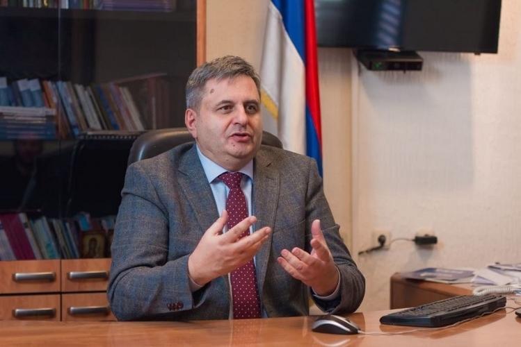 Радуновић: НАТО кишобран за Милов криминал
