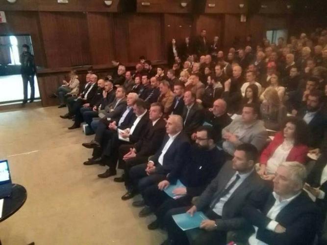 Мандић: Протестима заједно до смјене                                                                     Ђукановићевог режима