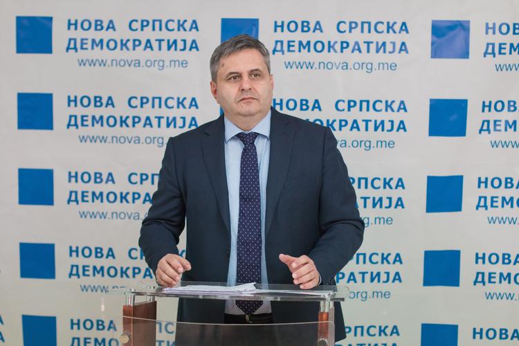 Радуновић: Референдум о споменику                                                          војводи Мирку