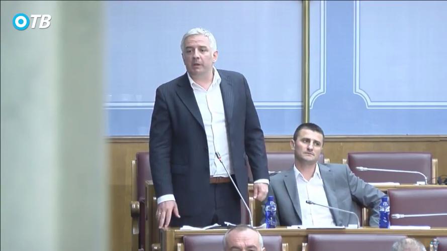 Вучуровић: Синђин парламент                                                               као Информбиро