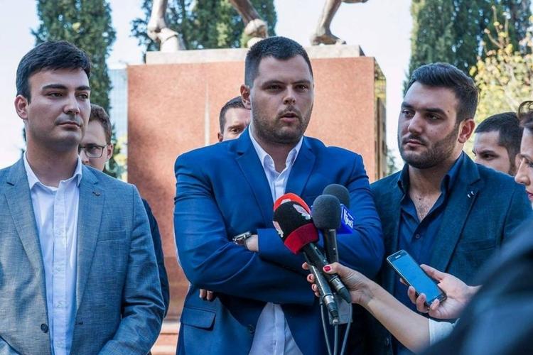 ДФ Кривокапићу: Није витешки ударати ДФ, против                                             кога врше удружени злочиначки подухват