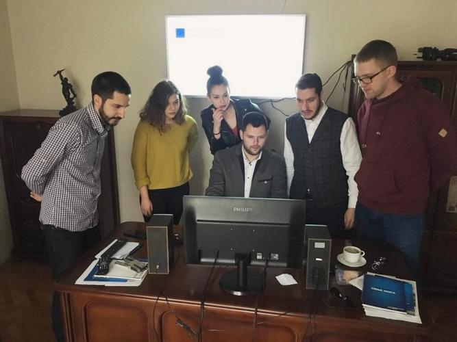 Клуб младих Нове српске демократије                                                       домаћин наредног Конгреса DEMYC-a