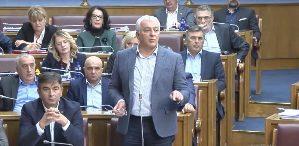 Мандић поручио Катнићу: Немој пиле под камион