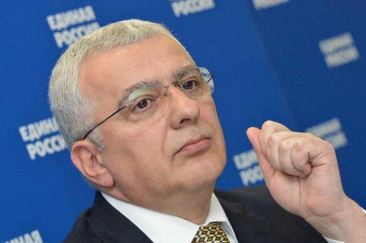 Црногорски режим одабрао страну која је                                                       супротстављена нашем народу