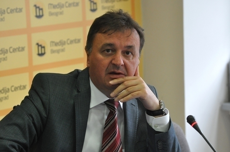 """Позадина политике за """"21. вијек"""" је                                                          остваривање фашистичких тежњи Рудовића"""