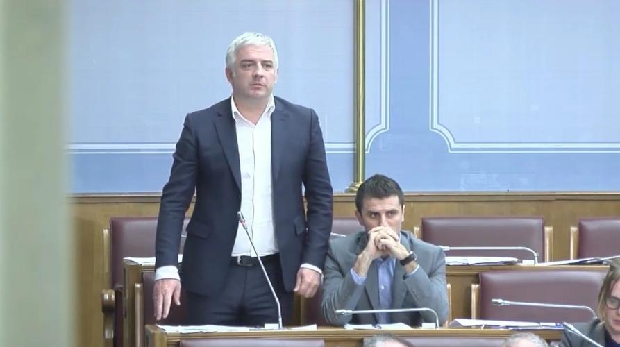 Прослава Велике скупштине српског народа                                                                      нема везе са рејтингом и радикализацијом