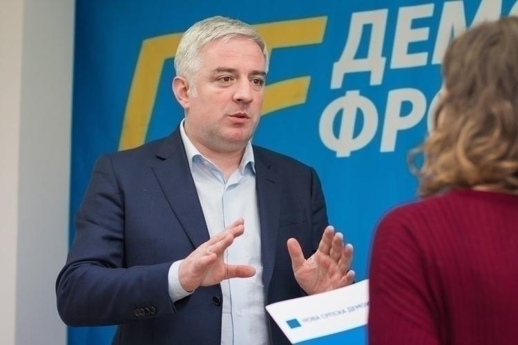 Вучуровић: За ДФ су стихови Дрљевића                                                                             неприхватљиви, и нема силе која може                                                                                 промијенити наш однос према томе