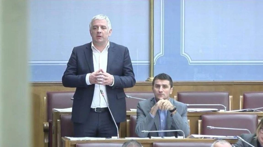 Вучуровић: ЕУ подржава Ђукановића,                                                                               то само не желе да виде Ханове слуге у опозицији