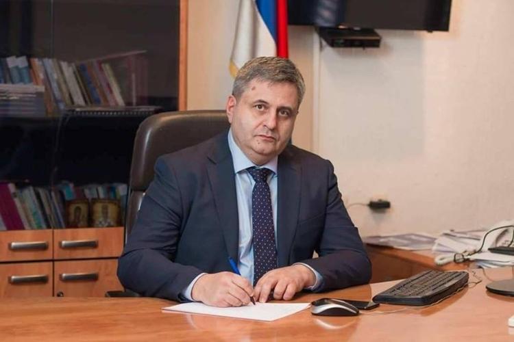 Радуновић: Из Марковића проговорили                                                                                       примитивизам и силеџијска логика