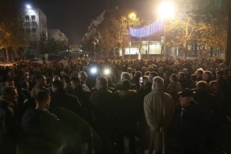 Мандић најавио велики протест за                                                                    недјељу: Бранимо слободу, угрожен                                                                                   сваки човјек у ЦГ