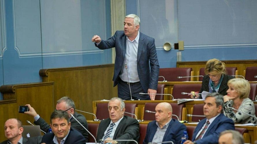 Вучуровић: Гвозденовић и његови                                                                 шефови блокирали рад Одбора