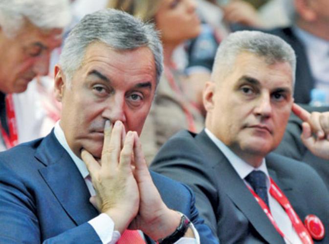 ДФ: Брајовићу, зашто ти је                                                                     Кнежевић плаћао дугове?